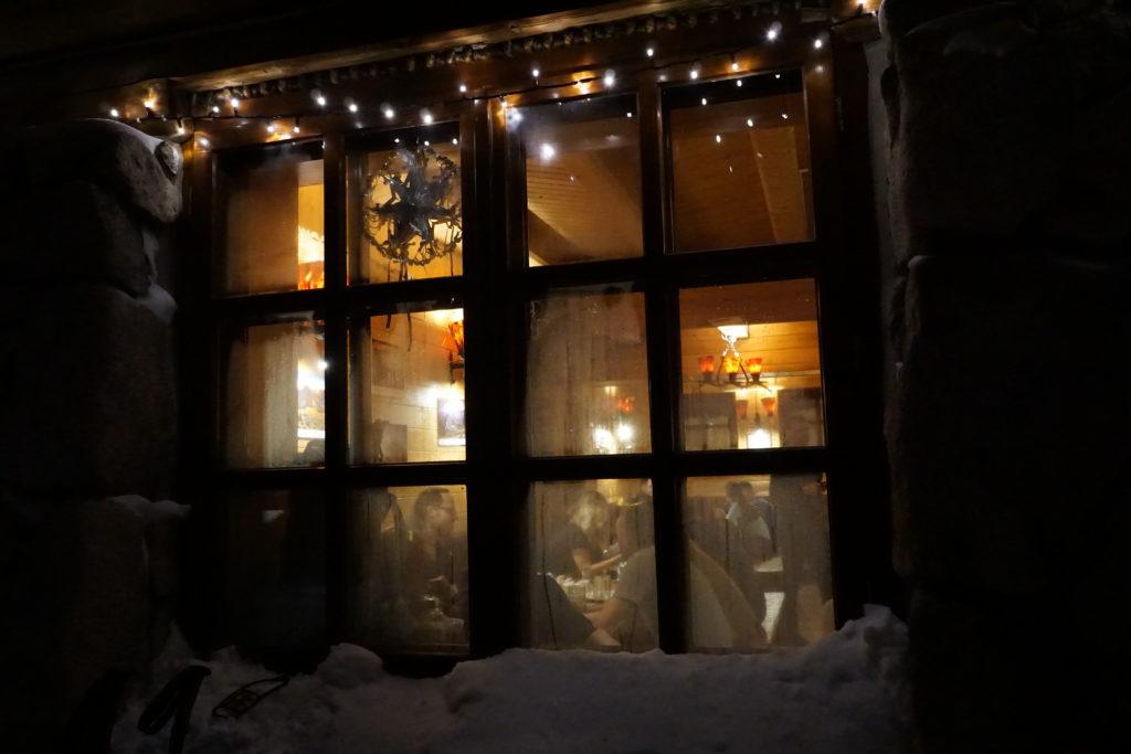 okno schronisko pięć stawów