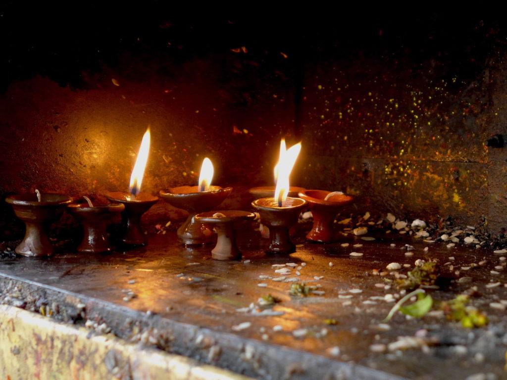 butter lamp nepal ogien