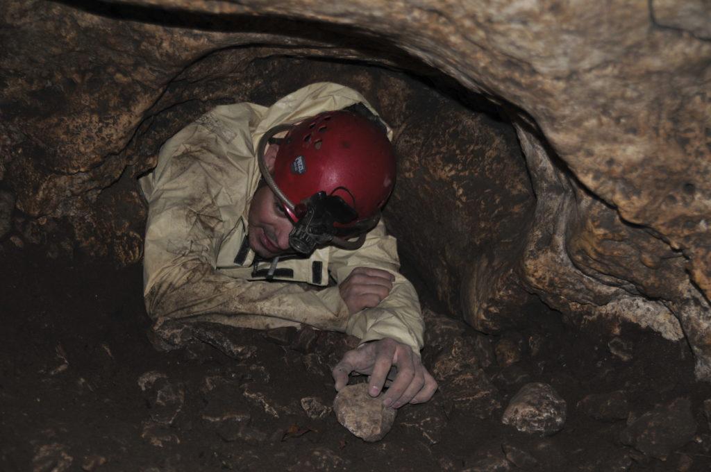 zacisk w jaskini